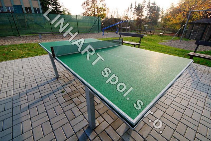 Ping-pong stůl
